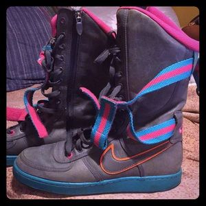 Nike boots for sale. Size 9 1/2